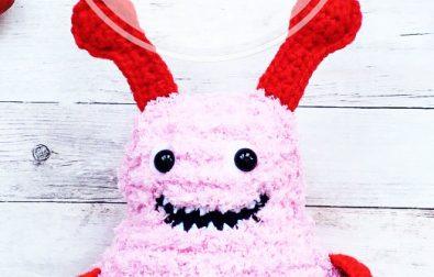 free-amigurumi-lovely-monster-crochet-pattern-design